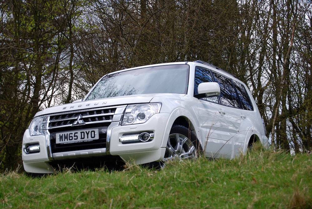 mitsubishi shogun review white off road
