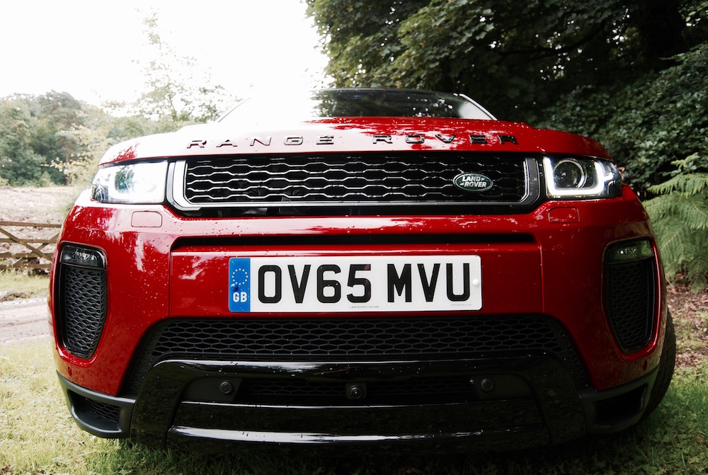 Evoque 2016 front red grille