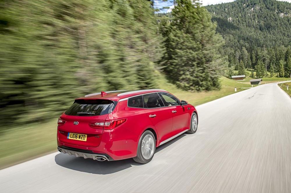 new kia optima sw sportswagon estate red review rear