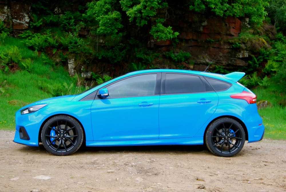 Ford Focus RS Nitrous Blue side