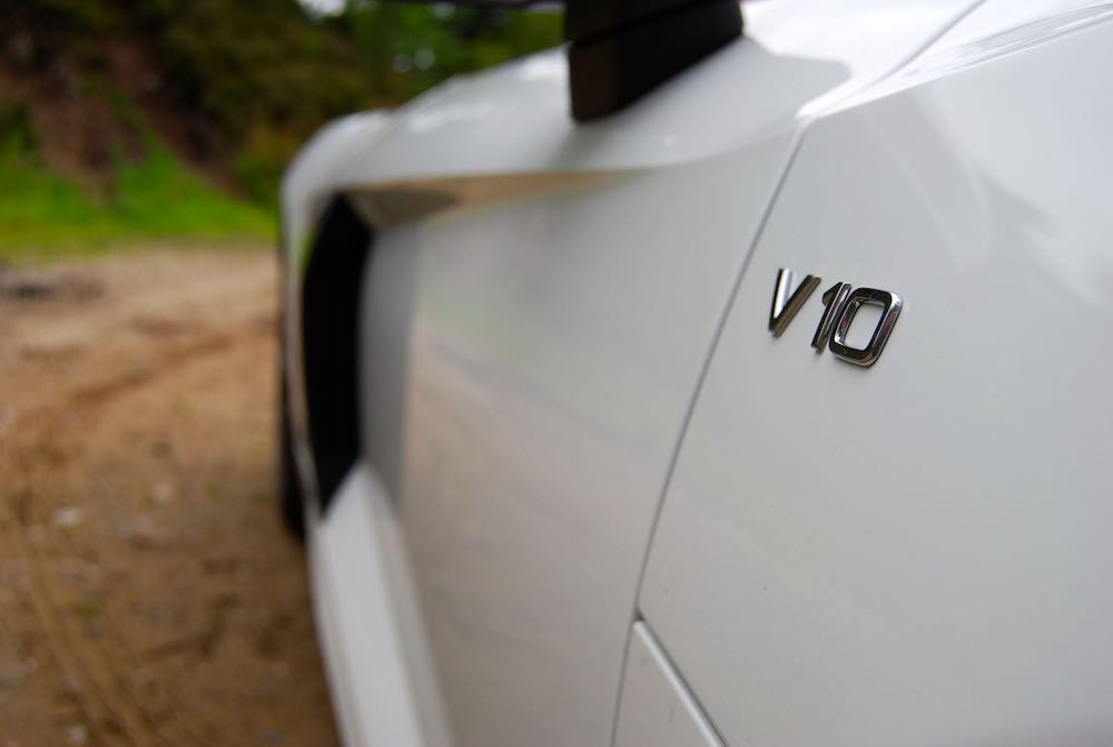 Audi R8 Spyder V10 badge