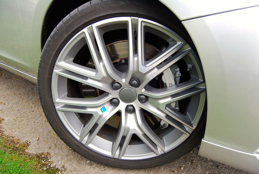 Volvo V60 Polestar wheel brakes