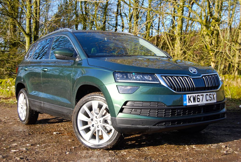 Skoda karoq green front side