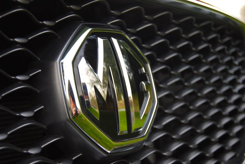 mg zs badge