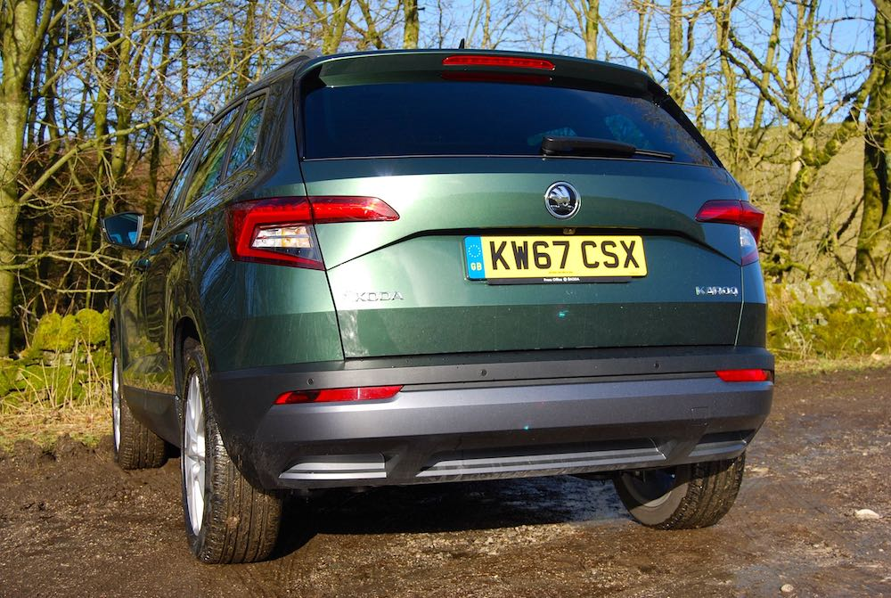 skoda karoq green rear