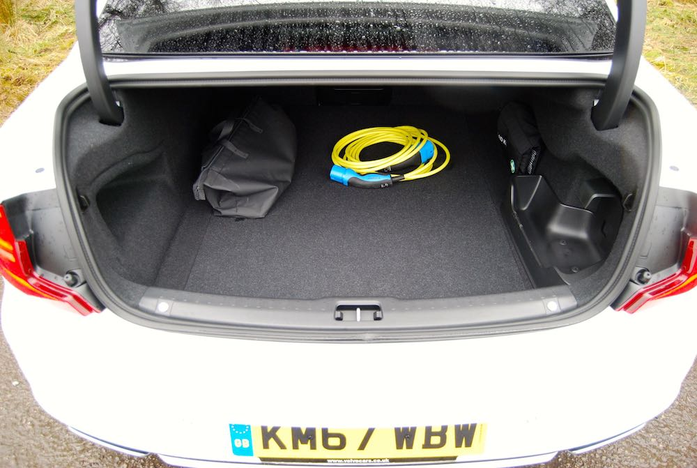 volvo s90 t8 boot trunk