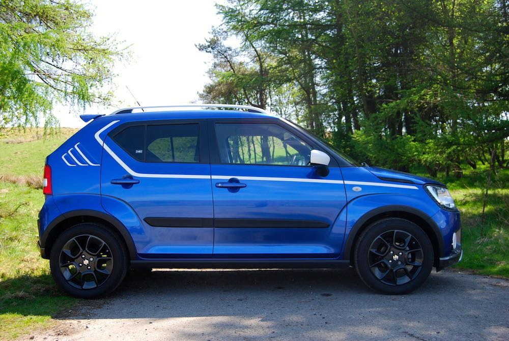 suzuki ignis adventure blue side