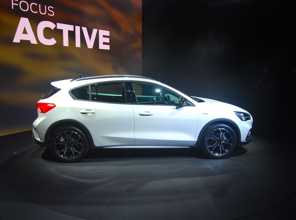 2019 Ford Focus Active White Side Driving Torque