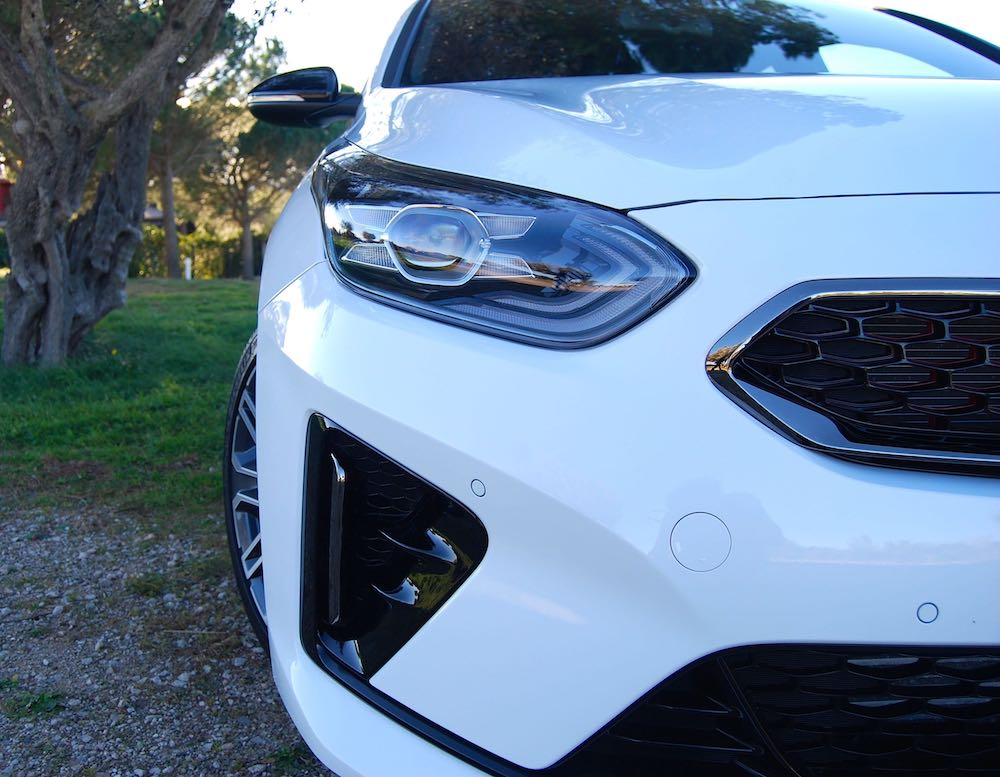 2019 kia proceed gt white headlight review roadtest