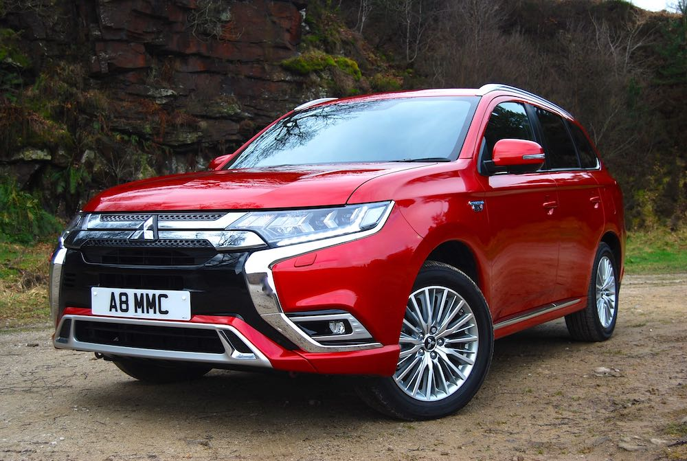 2019 mitsubishi outlander phev red front side review roadtest