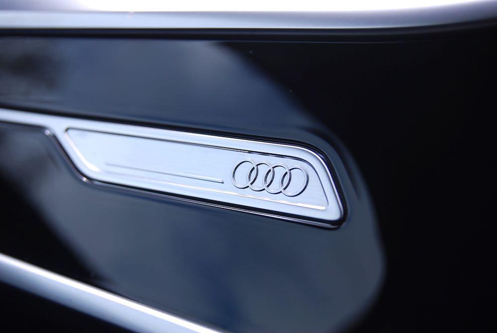 2019 Audi A6 Avant dashboard badge review roadtest