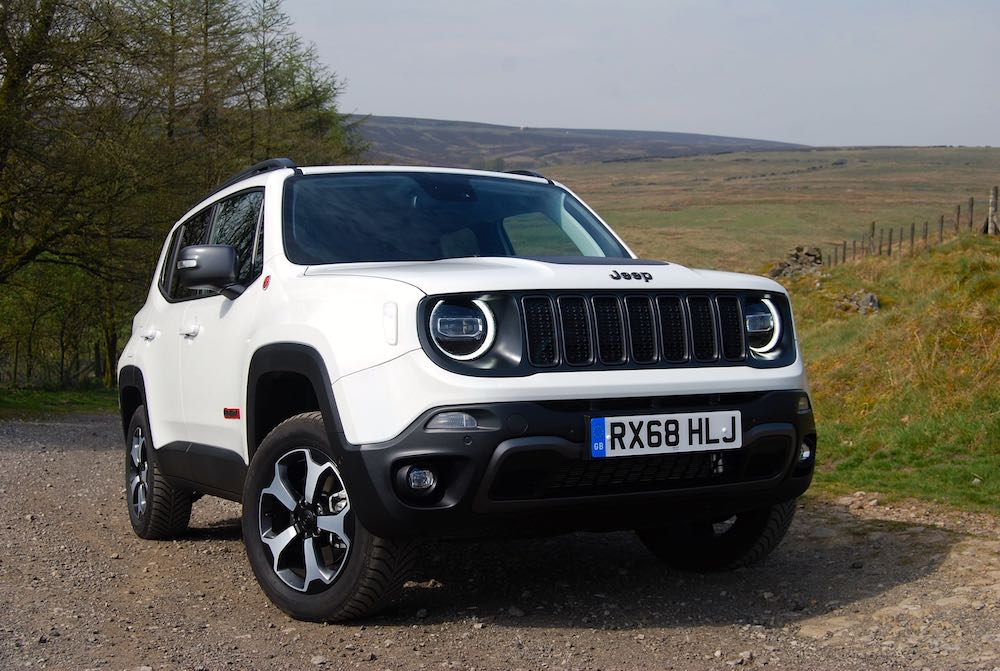 2019 Jeep Renegade Trailhawk White front side review roadtest