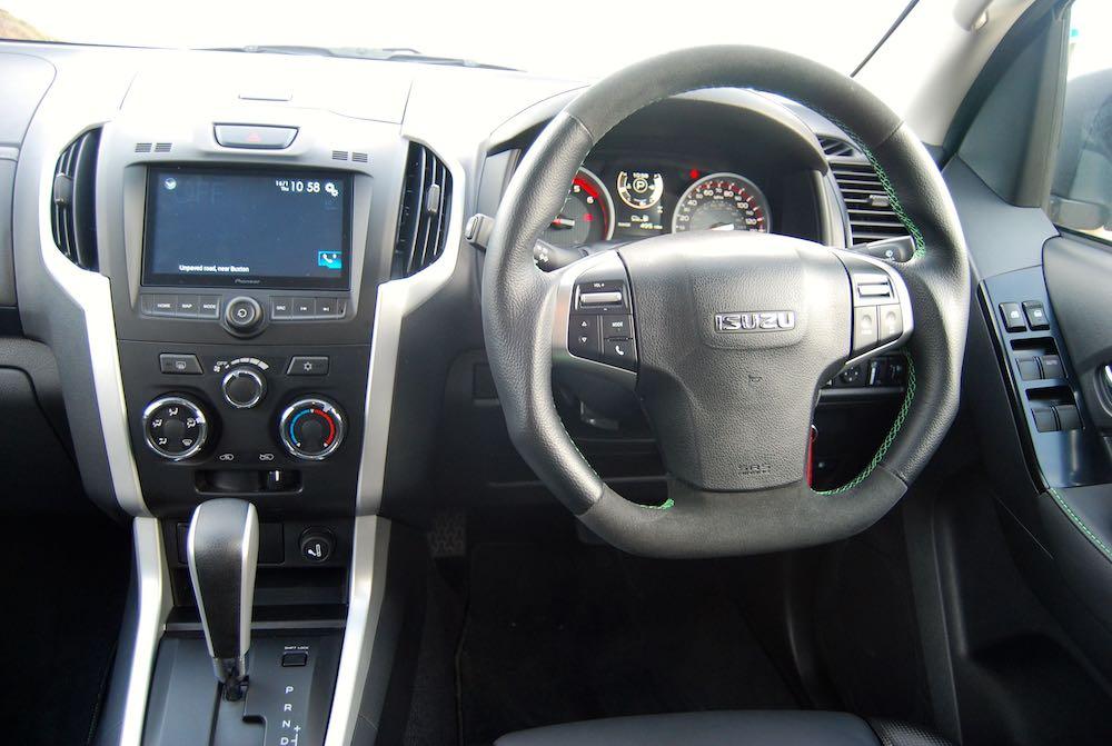 2020 isuzu d-max xtr interior cabin review roadtest