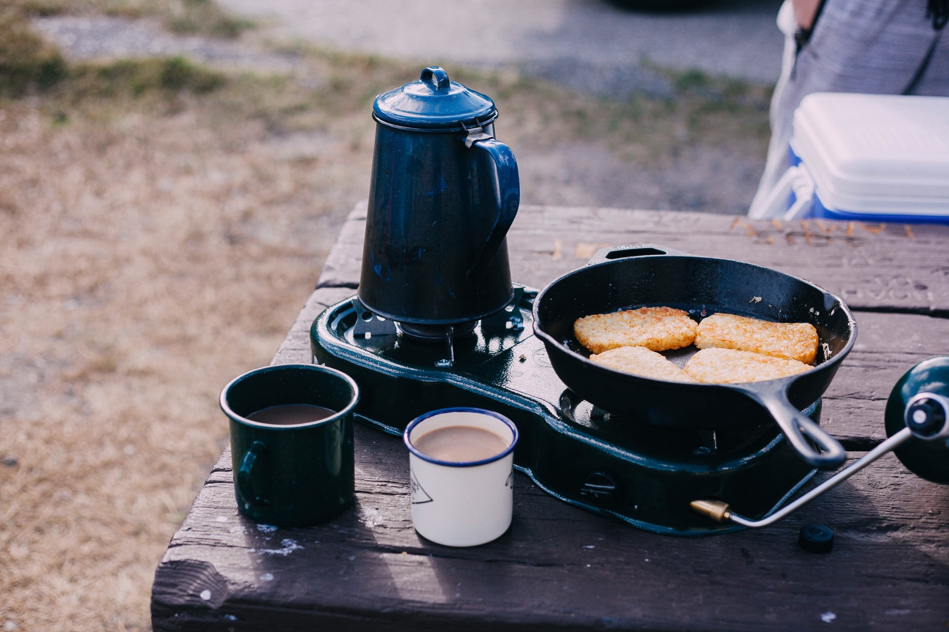 morning-coffee-at-the-campground_t20_WK0RA4