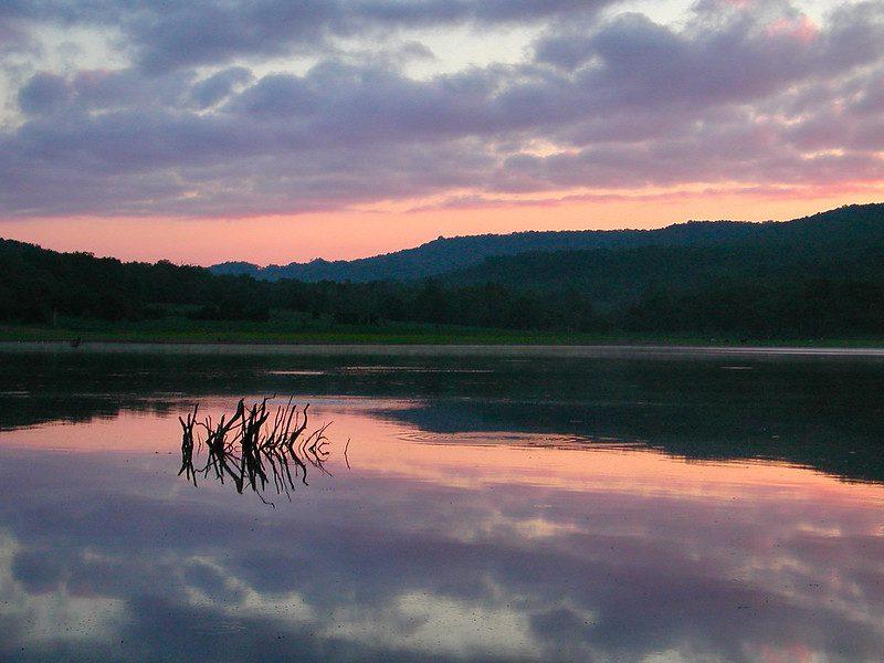 best lakes in oklahoma: lake tenkiller