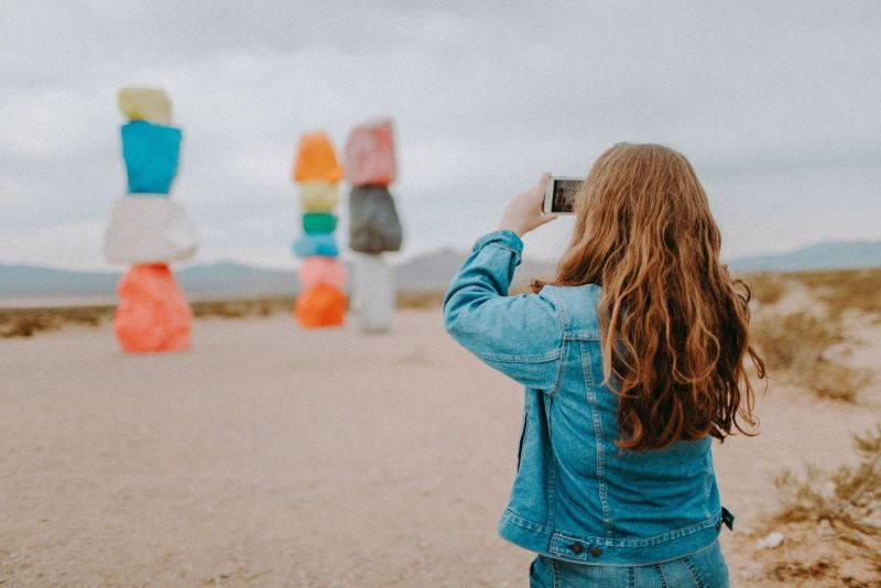 things to do in the mojave desert - seven magic mountains