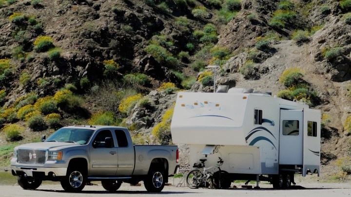 Leveling Your RV: Slides Out Before or After?