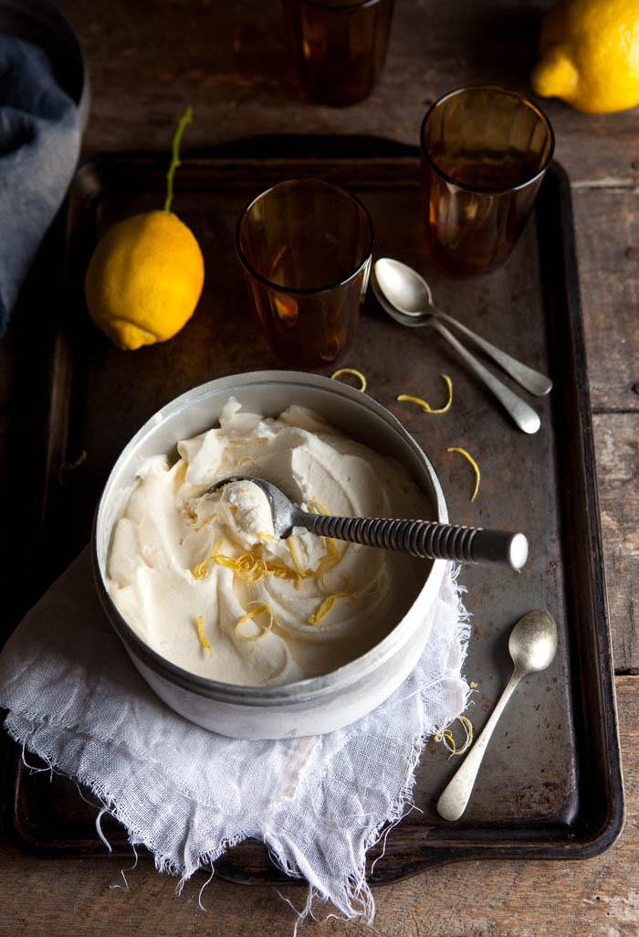very creamy and easy lemon ice cream