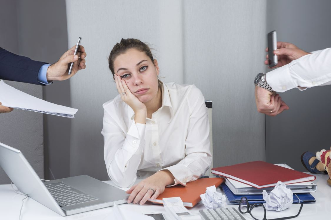 Employers should provide stress management and sleep treatment in the workplace
