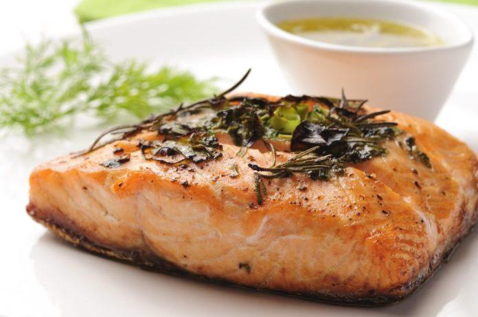 Brain-Food-salmao-ao-forno-1024x680 Prevenir Estrias e Celulites e Usar Biquíni Neste Verão