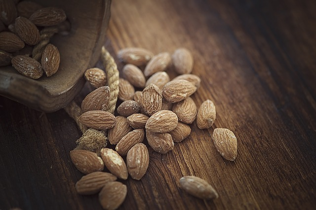 almonds-1266908_640 Biscoito De Batata Doce - Veja