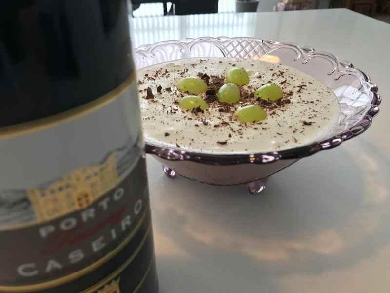 druefromage chokolade vindruer charlottes drkoch fromage med chokoladestykker budding opskrift på sådan laver du