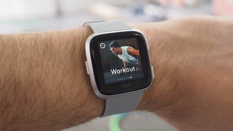 Fitbit versa smartwatch droidcrunch