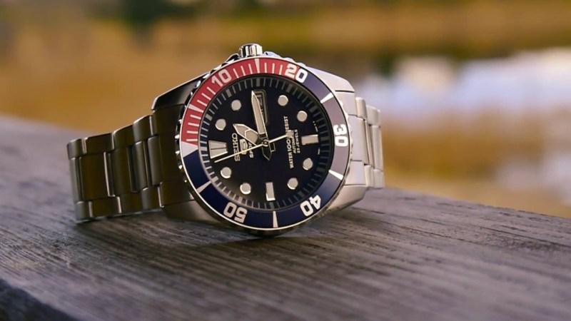 Seiko 5 (SNZF15K1) smartwatch