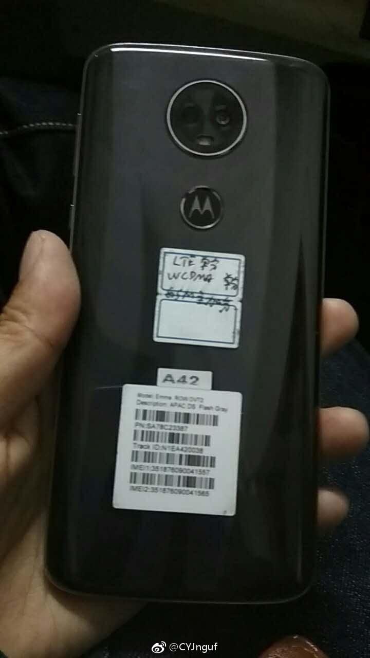 Moto E5 Plus Hands-On Image