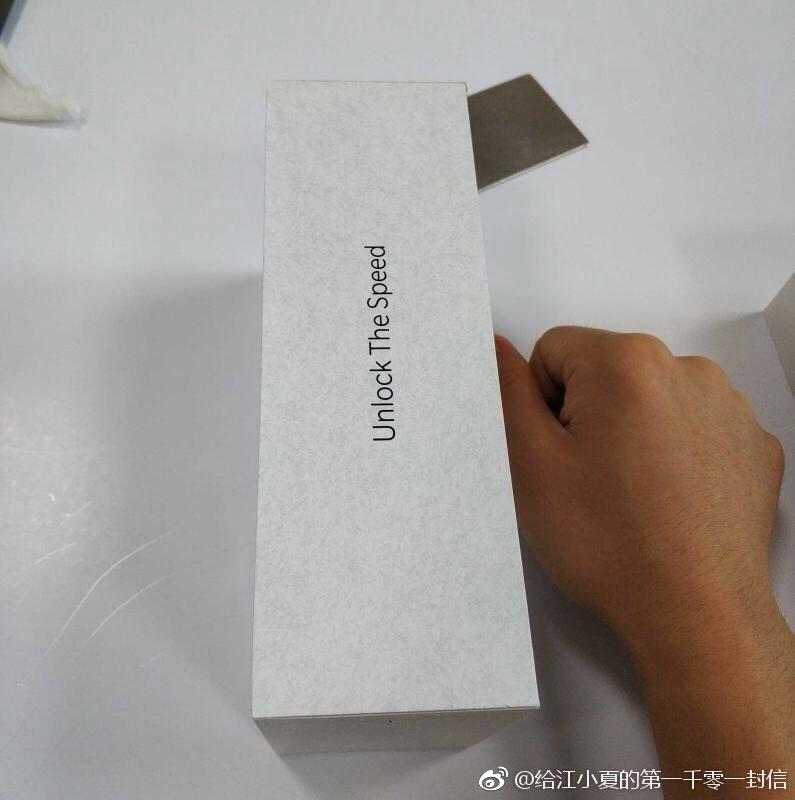 OnePlus 6T Retail Box