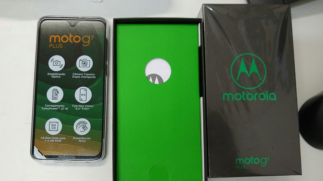 Moto G7 Plus with the box