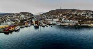 AMFI: Samasjøen har siden byens barndom vært mål for alle som vil ha ny fart i båten sin. Byens mest diverserte del? Foto: Knut Godø