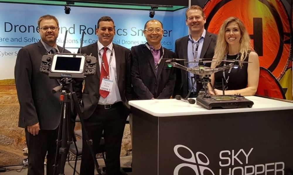 Photo (from left to right): Rony Klein, Director of Sales Mobilicom, Offer Herman, VP Sales and Marketing Mobilicom, Larry Liu, CEO Yuneec, Chris Huhn, VP Business Development Yuneec, Dana Smadja, Director of Marketing Mobilicom