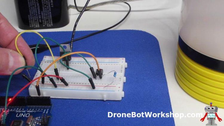 Arduino Transistor Switch on Breadboard