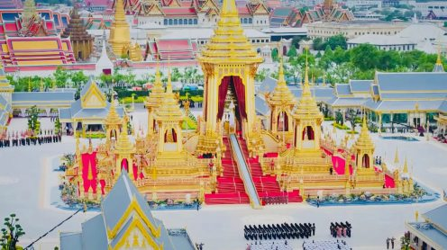 Spectacular drone footage of the Grand Palace and the Temple of the Emerald Buddha [video]