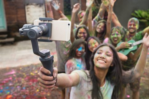 DJI reveals new Osmo Mobile 2 gimbal stabilizers ahead of CES 2018 0005