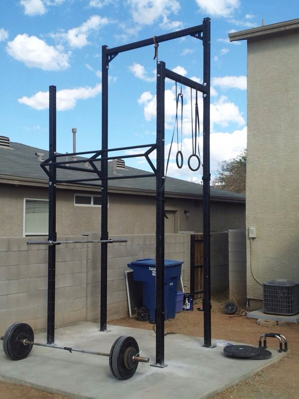 Another garden gym rig identical to the previous! Crossfit certainly is popular.
