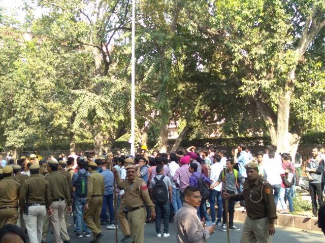 DUSU ABVP protest against Umar Khalid Ramjas College