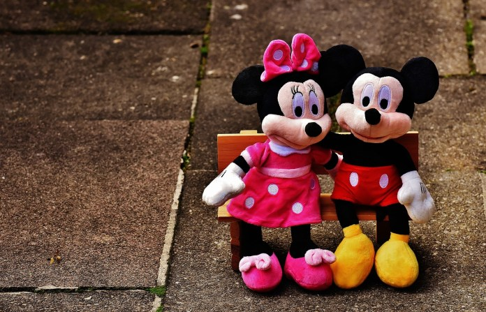 Mickey and Minnie Mouse Pics