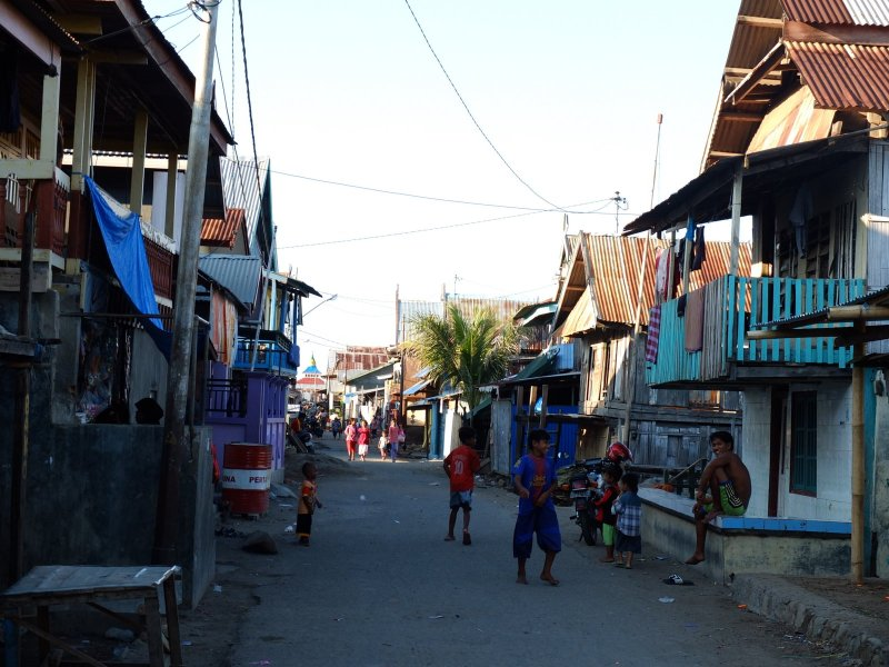 There's one street through the town centre, all the other alleways are built on stilts.