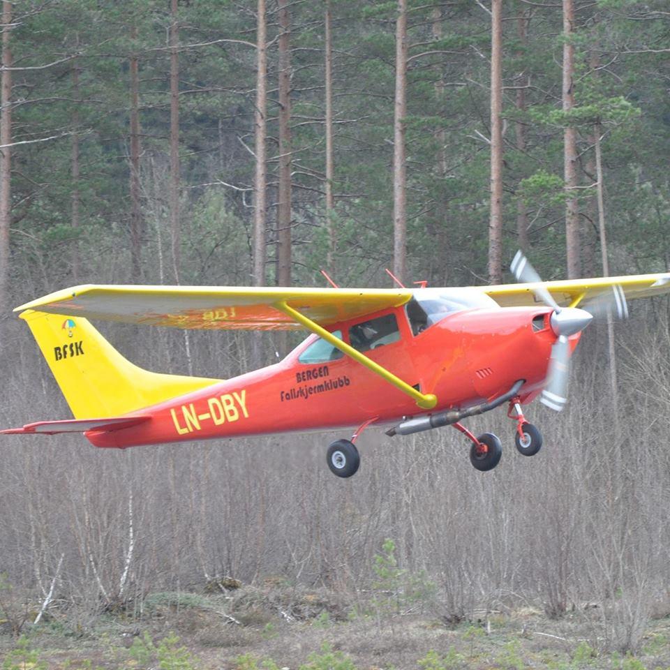 Skydive Bergen (Bergen Fallskjermklubb)