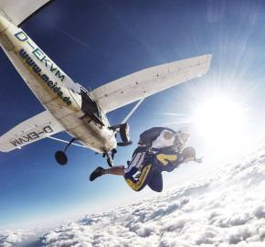 Meido Skydive