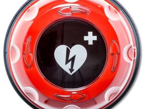 Drouwenerveen brengt AED naar buiten bij Dorpshuis Het Vertier