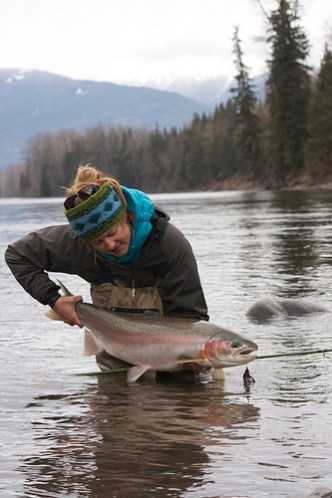 Big steelhead and the fishing girls who catch 39 em for Taylor fly fishing