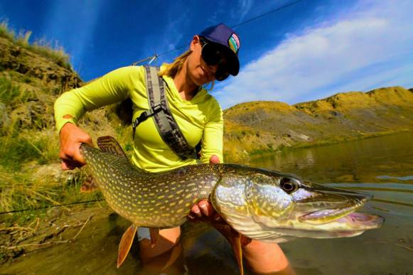 Faceless flyfishing - unusual fishing photos9
