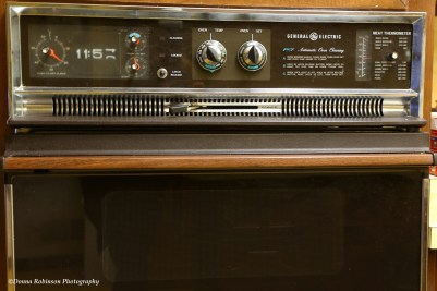 """The 1970's """"digital"""" Oven Clock. The oven still works."""
