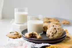 Tahini chocolate chip cookies - Dr. Pingel