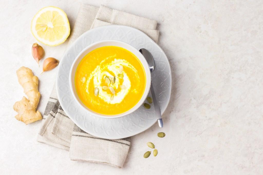 Carrot ginger turmeric soup - Dr. Pingel