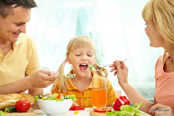 child eatingb calorie rich foods (2)