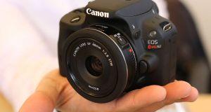 new-sl1-canon-camera